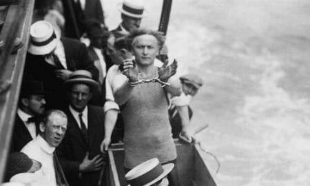 Harry-Houdini_Water-Torture